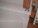 Vana trepp vooderdatud vaibaga